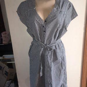 Merona short sleeve dress with belt